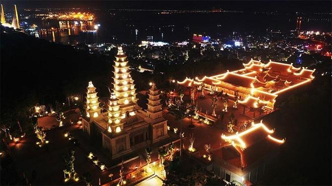 Đẹp ngoạn mục quần thể văn hóa tâm linh trên đỉnh Ba Đèo, Hạ Long ảnh 9