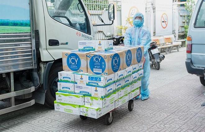 Vinamilk ủng hộ 48.000 sản phẩm cho lực lượng tuyến đầu TP. Hồ Chí Minh trong 2 tuần chống dịch cao điểm ảnh 1