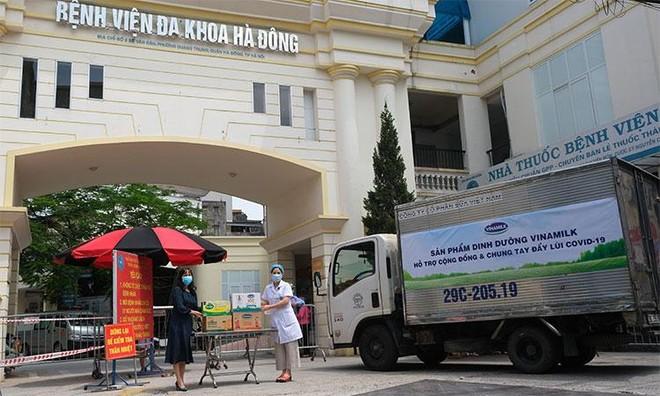 Vinamilk ủng hộ 48.000 sản phẩm cho lực lượng tuyến đầu TP. Hồ Chí Minh trong 2 tuần chống dịch cao điểm ảnh 5