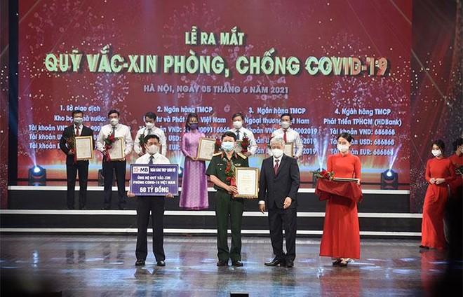 MB ủng hộ 60 tỷ đồng vào Quỹ vaccine phòng COVID-19 ảnh 1