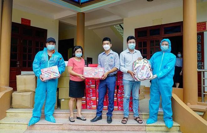 Quỹ sữa Vươn cao Việt Nam và hành trình mang sữa đến với trẻ em Điện Biên giữa đại dịch ảnh 1