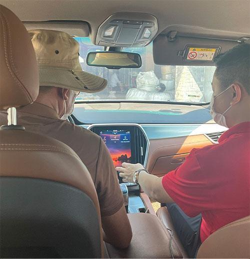 Lái thử xe tại nhà chuẩn 5K của VinFast - giải pháp tiên phong làm an lòng khách hàng mùa Covid-19 ảnh 2