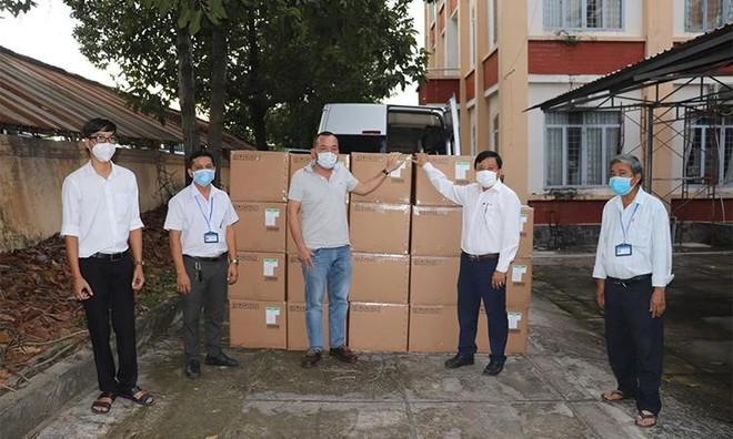 Tiếp tục chi viện cho miền Nam, Sun Group ủng hộ Tây Ninh hơn 10 tỷ đồng trang thiết bị y tế chống dịch Covid-19 ảnh 1