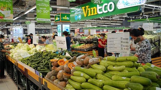 Chợ truyền thống đóng cửa, VinMart/VinMart+ tăng lượng cung ứng hàng hóa phục vụ người dân ảnh 1