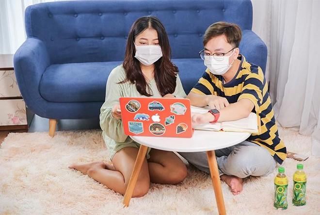 Trồng rau, uống nước và 1001 cách người trẻ giảm căng thẳng khi làm việc tại nhà ảnh 4