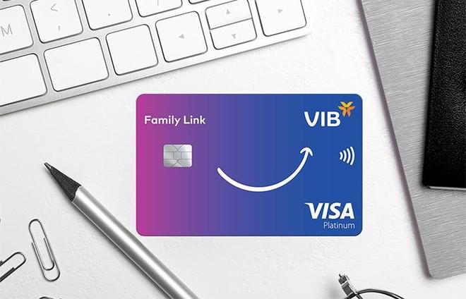VIB và Visa ra mắt dòng thẻ tín dụng đồng hành cùng con ảnh 1