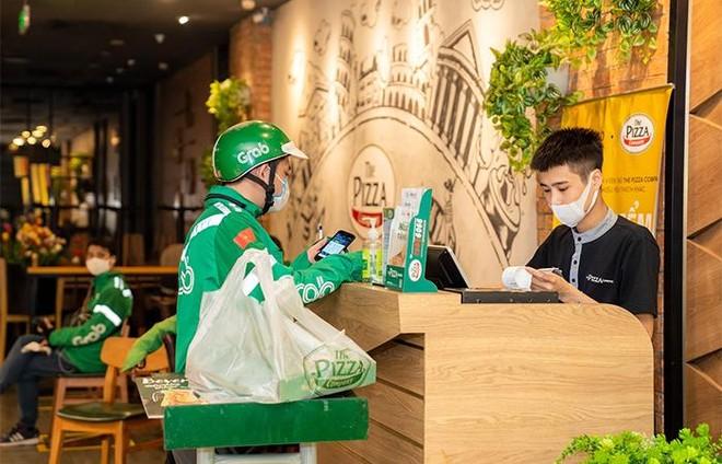 Hà Nội: Một số Trung tâm Thương mại Vincom bắt đầu hoạt động trở lại ảnh 5