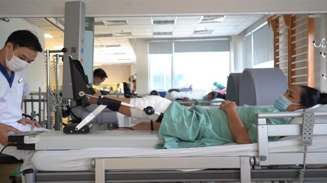 Lần đầu tiên thay thế thành công xương khớp nhân tạo in 3D cho bệnh nhân khuyết tật suốt 18 năm ảnh 4