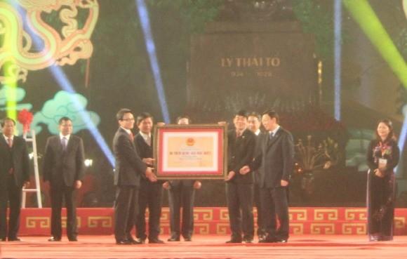 Hà Nội đón bằng xếp hạng 5 di tích Quốc gia đặc biệt ảnh 1