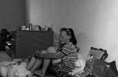 Thương tâm thiếu nữ 14 tuổi hoảng loạn vì bị 12 thanh thiếu niên hiếp dâm tập thể ảnh 1