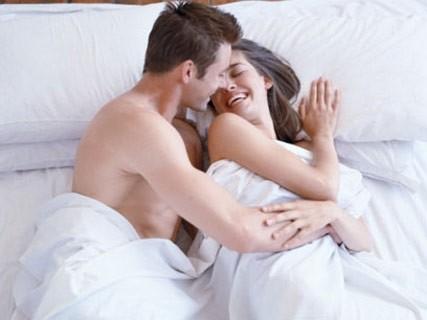 Quan hệ tình dục sớm làm tăng nguy cơ ly hôn ảnh 1