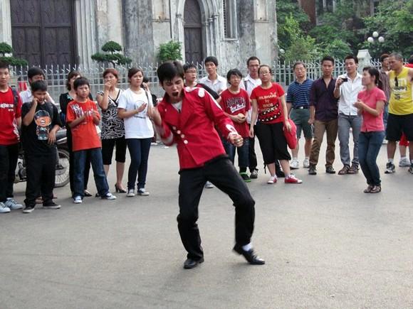 Nhảy tưởng nhớ ông hoàng nhạc Pop tại Hà Nội ảnh 3