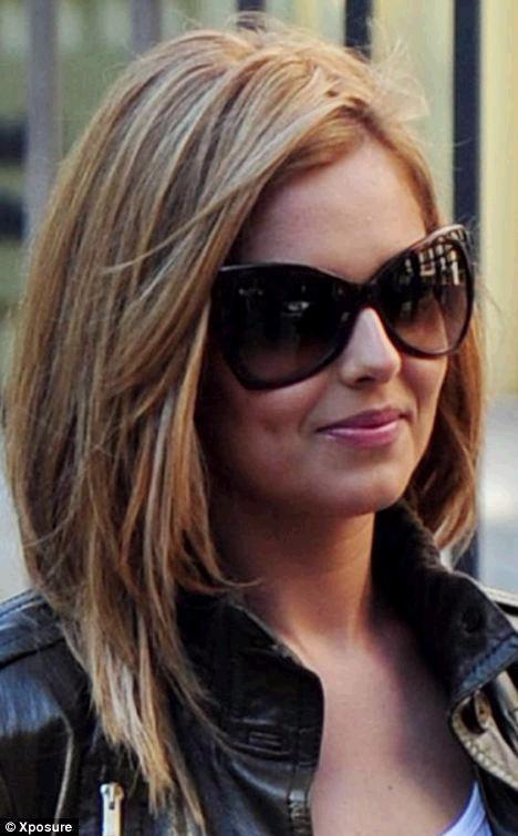 """Cheryl Cole vẫn vui tươi dù bị """"thất sủng"""" ảnh 3"""