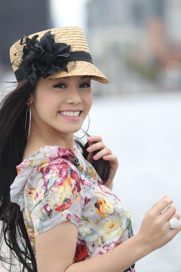Nhật Kim Anh: Nhìn lên để thấy mình còn thấp! ảnh 2