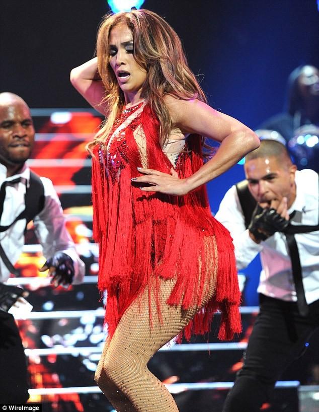 """Jennifer Lopez """"khoe"""" trọn vòng 3 ảnh 2"""