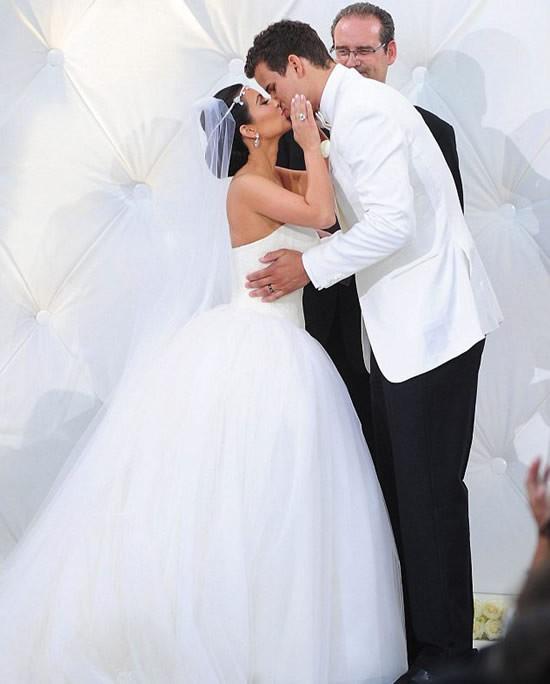 """Cô Kim """"siêu vòng ba"""" đã ly dị chồng ảnh 1"""