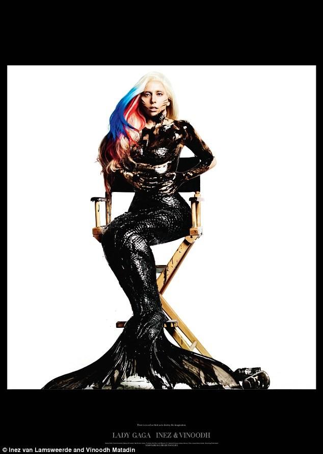 Lady Gaga xuất hiện trong trang phục dầu nhớt ảnh 2