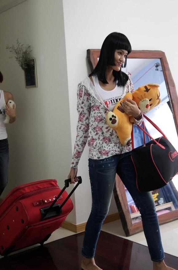 Một chân dài bức xúc vì bị rời Vietnam's Next Top Model ảnh 3