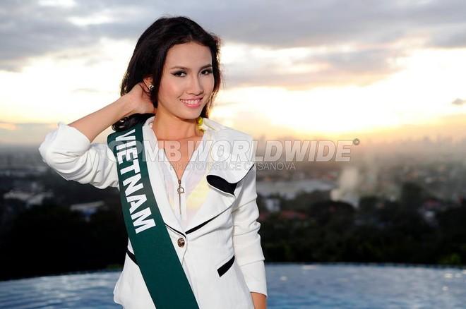 Phan Thị Mơ khoe dáng trước đêm chung kết Miss Earth 2011 ảnh 3