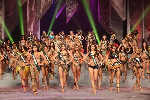 """""""Bỏng mắt"""" với nhan sắc Miss Earth 2011 ảnh 1"""