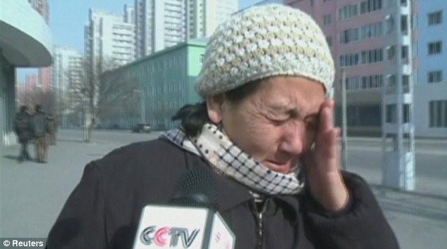 Hình ảnh người dân Triều Tiên tiếc thương chủ tịch Kim Jong Il ảnh 3