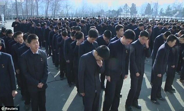Hình ảnh người dân Triều Tiên tiếc thương chủ tịch Kim Jong Il ảnh 7
