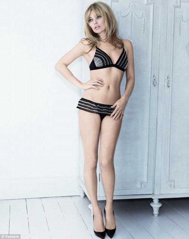 Kate Moss nóng bỏng trong quảng cáo đồ lót