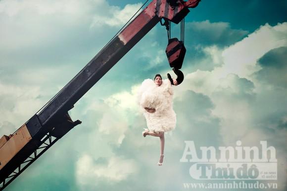 Thí sinh Next top model hóa mây, bay lơ lửng trên cao ảnh 5