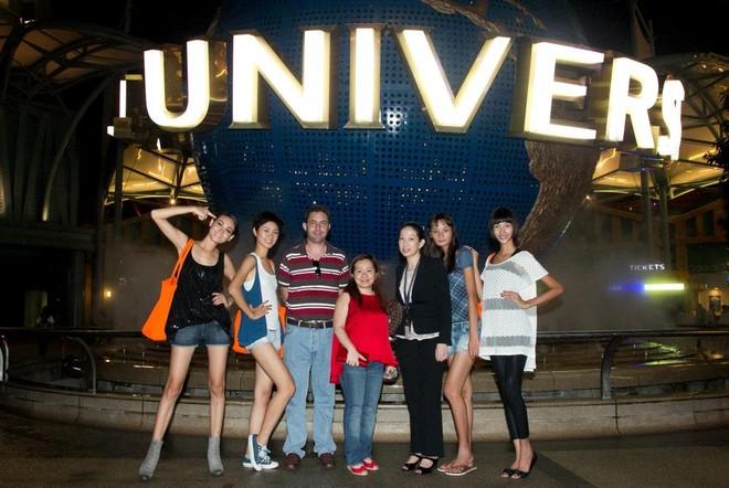 """Top 4 Model """"đại náo"""" phim trường lớn nhất châu Á ảnh 1"""