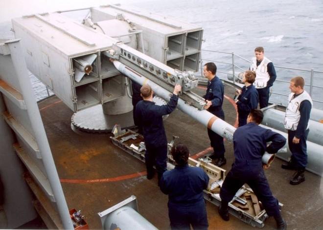 Hồ sơ tàu sân bay USS Enterprise (CVN-65) của Mỹ ảnh 2
