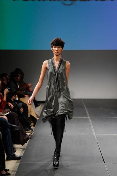 Người mẫu Việt liên tục nhận show tại Mỹ ảnh 6