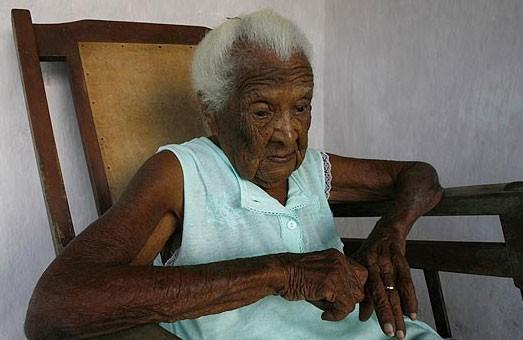 Bà lão sống vắt qua 3 thế kỷ bị phủ nhận tuổi thật của mình ảnh 1