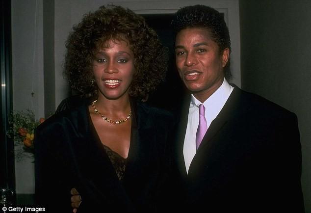 """""""Người tình trong bóng tối"""" của huyền thoại Whitney Houston ảnh 1"""