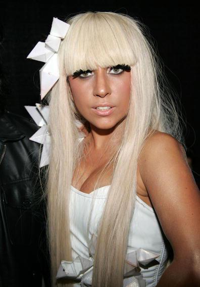 """Nữ ca sĩ có thu nhập """"khủng"""" nhất - 700 tỷ đồng ảnh 2"""