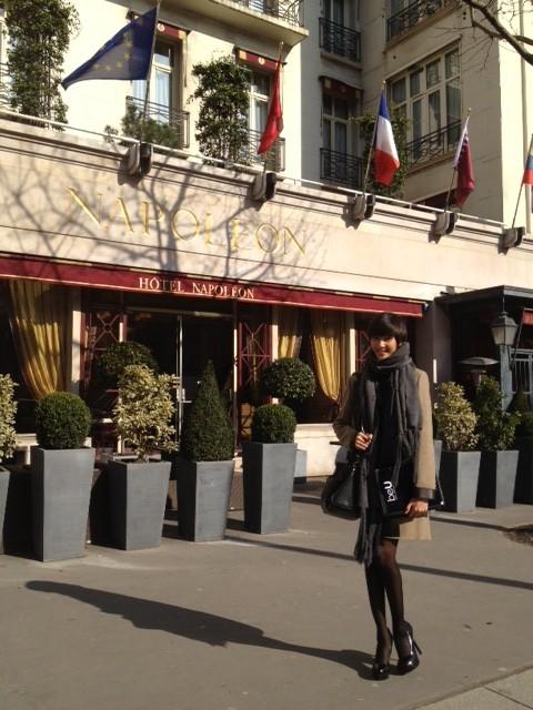 Hoàng Thùy khoe dáng tại kinh đô thời trang Paris ảnh 2
