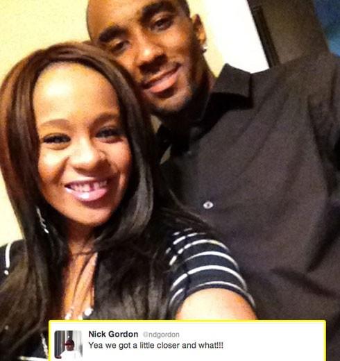 Con gái của huyền thoại Whitney Houston làm chuyện loạn luân ảnh 2