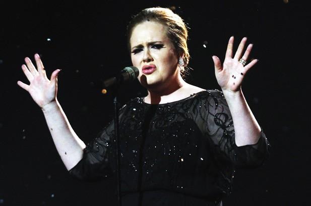 Adele là nghệ sĩ Anh có số lượng album bán chạy nhất ở Mỹ ảnh 1