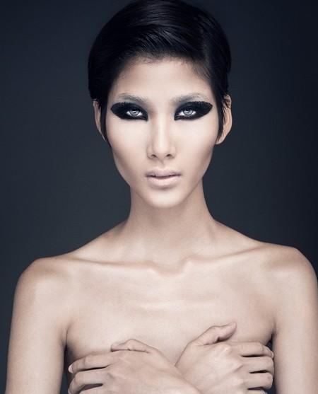 Hoàng Thùy, Lê Thúy bán nude trong bộ ảnh mới ảnh 2