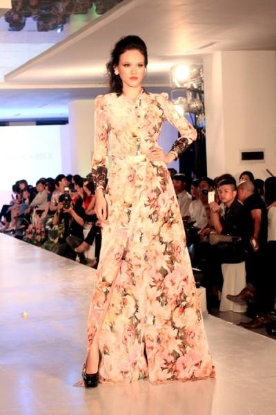 Tuyết Lan ấn tượng tại Hà Nội Fashion Week ảnh 3