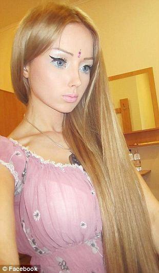 Xôn xao về thiếu nữ giống hệt búp bê Barbie ảnh 3