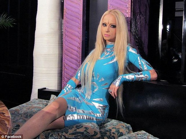 Xôn xao về thiếu nữ giống hệt búp bê Barbie ảnh 10