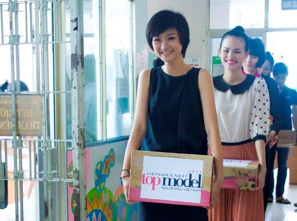 Dàn người mẫu Top model làm từ thiện ngày 1-6 ảnh 1