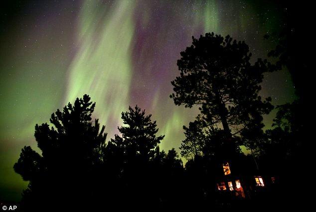 Những bức ảnh tuyệt đẹp của cực quang ảnh 1