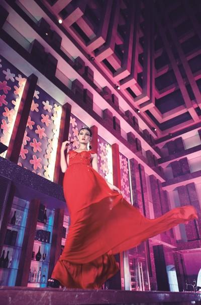 """""""Chân dài"""" Thùy Trang lọt vào ngôi nhà chung Asia's Next Top Model ảnh 2"""