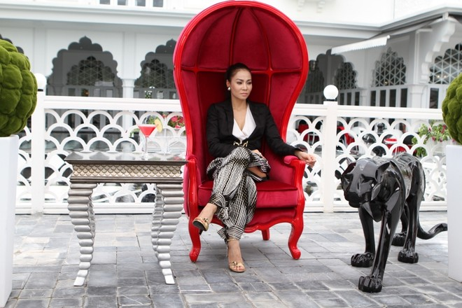 """Thu Minh """"chơi sang"""" thuê lâu đài, tập huấn cho thí sinh ảnh 3"""