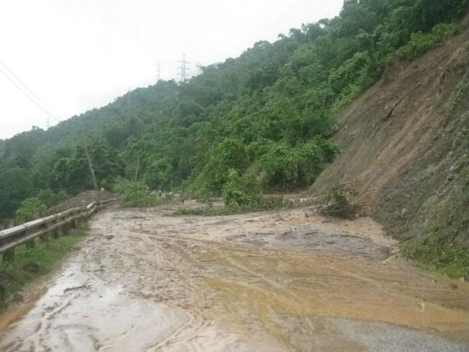 Mưa lớn, nhiều bản làng bị nhấn chìm, 8 người thương vong ảnh 6