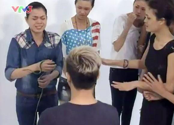 Hé lộ thử thách rợn người của Vietnam's next top model 2012 ảnh 3