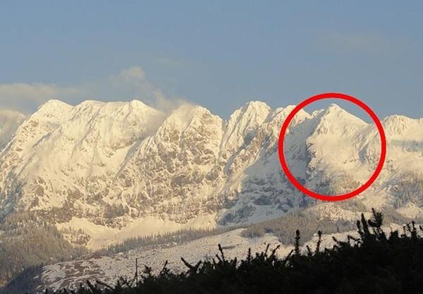 Phát hiện ngọn núi giống hệt thiên tài Albert Einstein ảnh 2
