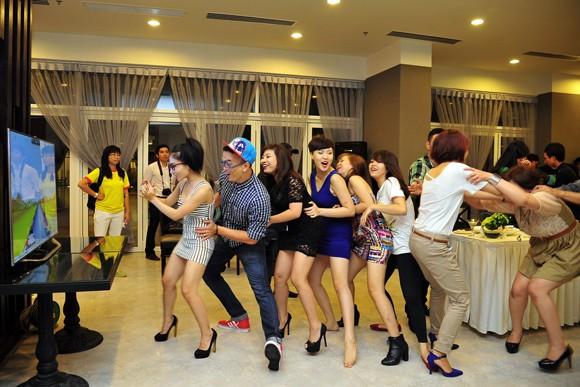"""Thí sinh Giọng hát Việt """"quậy"""" hết cỡ với Gangnam Style ảnh 1"""