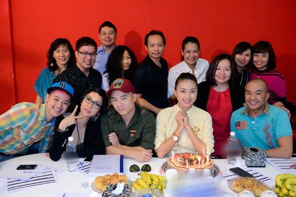 Ngô Thanh Vân đón sinh nhật vui vẻ với Xuân Lan, Đỗ Mạnh Cường ảnh 2